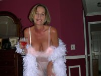 Random amateur wives and milfs