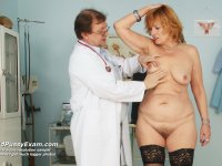 Older dame Kvetuse gets naked at gyno office for mad practitioner