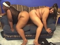 Horny lesbian bbbw enjoy dildo fucking