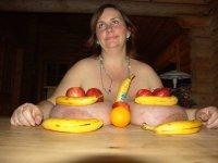 Titsiana Huge Tits fruits games
