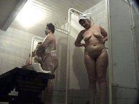 Hot shower voyeur vid for mature beauty admirers
