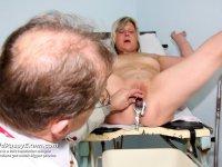 Aged madam Nada gets vag medical tool examined at gyno clinic