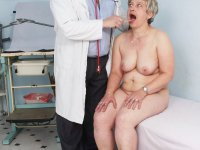 Dirty practitioner gyno pussy speculum examination old milf at gynecology practice