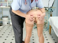 Elder clinician tits and pussy gyno exam old madam at examination room