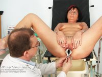 Gray professor gyno vagina exam with speculum gray mamma at gyno clinic