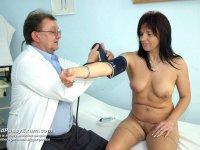 Old Livie takes vagina enema during older gyno test