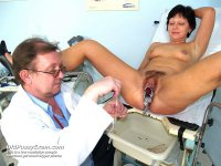 Older wife Eva gets piss hole gyn tool examined at gyno clinic