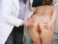 Dirty Vilma aged gynoclinic gynochair pussy specula inspection