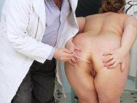 Dirty Vilma aged gynoclinic gynochair pussy specula inspection