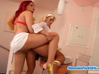 Upskirt cutie luring redhead shemale into cock-stiffening banging on table